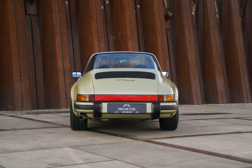 Porsche 911 sc targa autobedrijf over de heilige koe for Interieur 911 sc